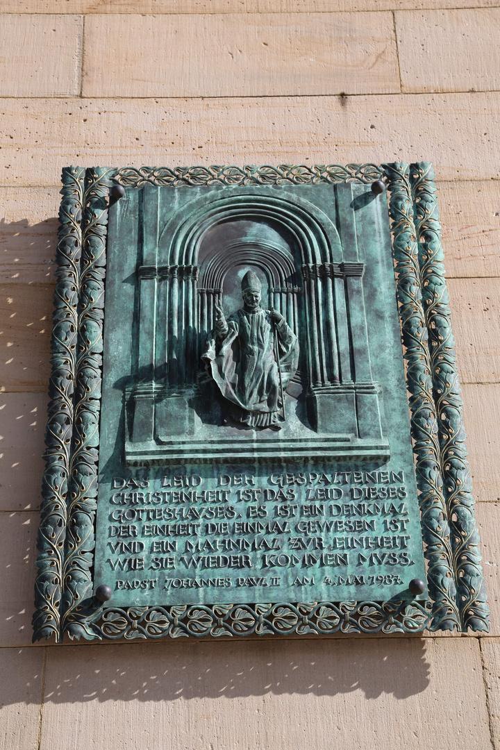 Dom zu Speyer - Metallplatte zu einer Aussage Papst Joh. Paul II (1987)