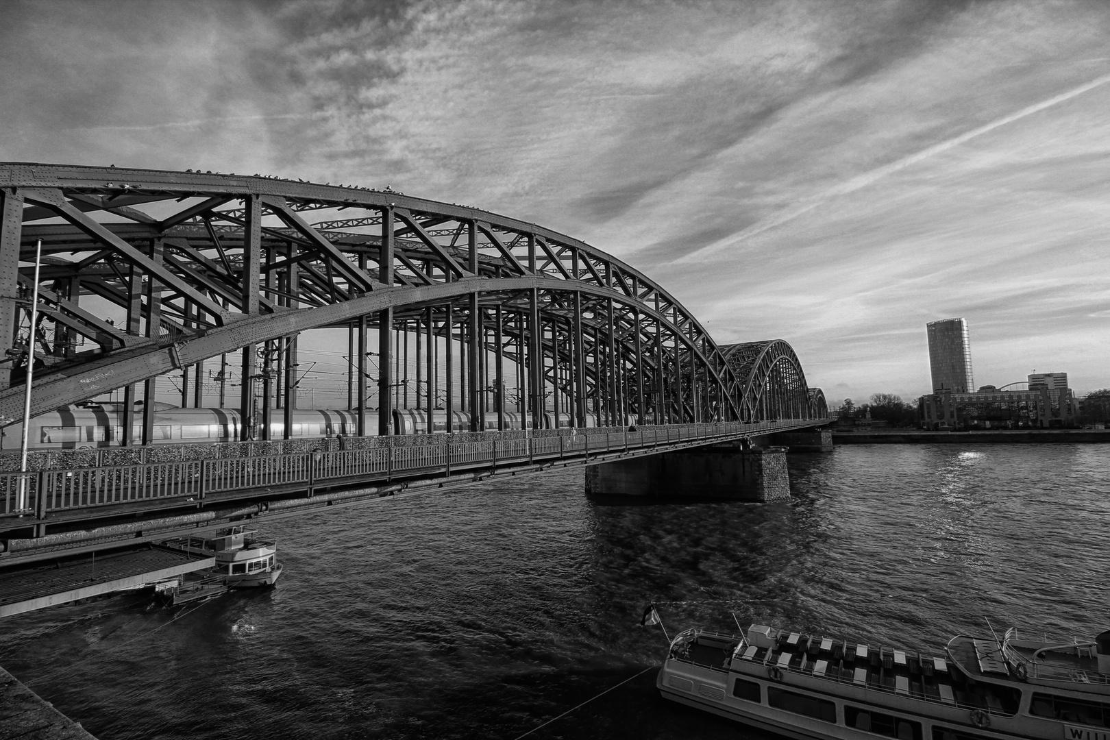 Dombrücke