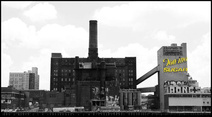 Domino Sugar Factory, New York - Manhattan, East River