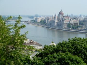 Donau im Hintergrund Budapest Mai 2011