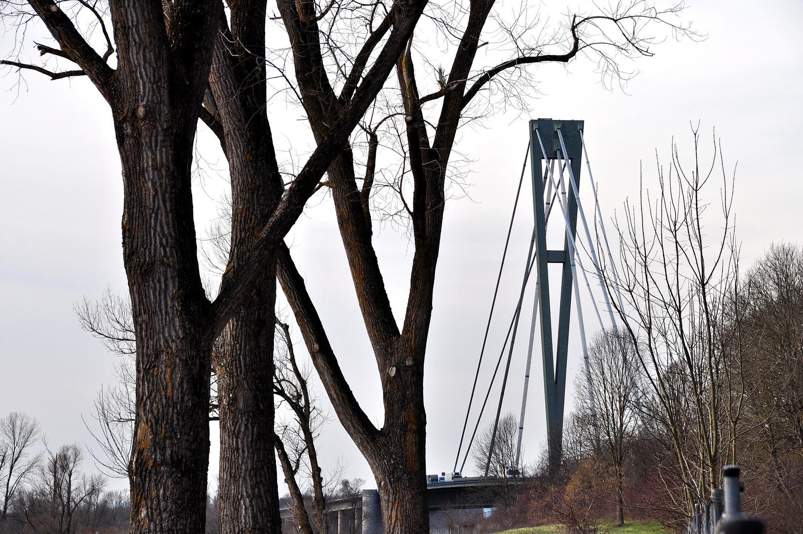 Donaubrücke bei Deggendorf (A3)