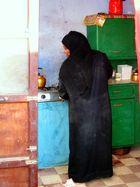 Donna Nubiana prepara il carcadè