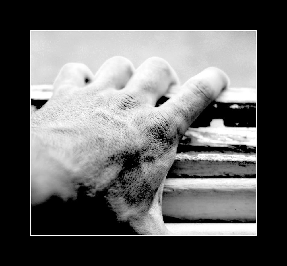 Donne moi la main