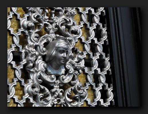 Door Detail Decoration