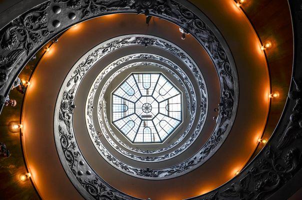 Doppelgängige Spiraltreppe von Giuseppe Momo