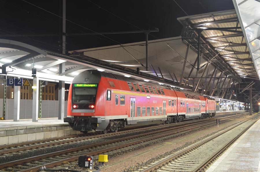 Doppelstockzug in Erfurt Hbf
