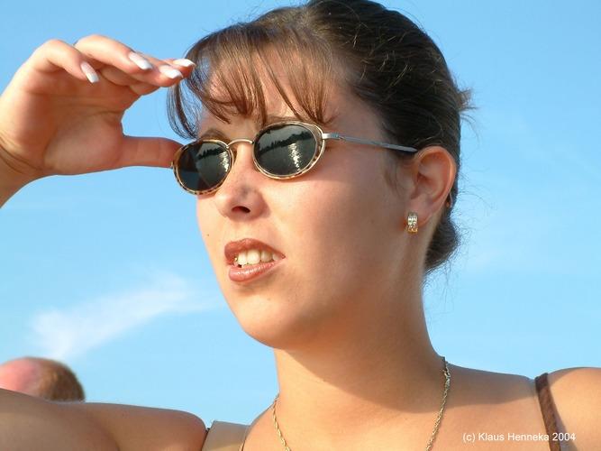 Doreen schaut über den Rhein