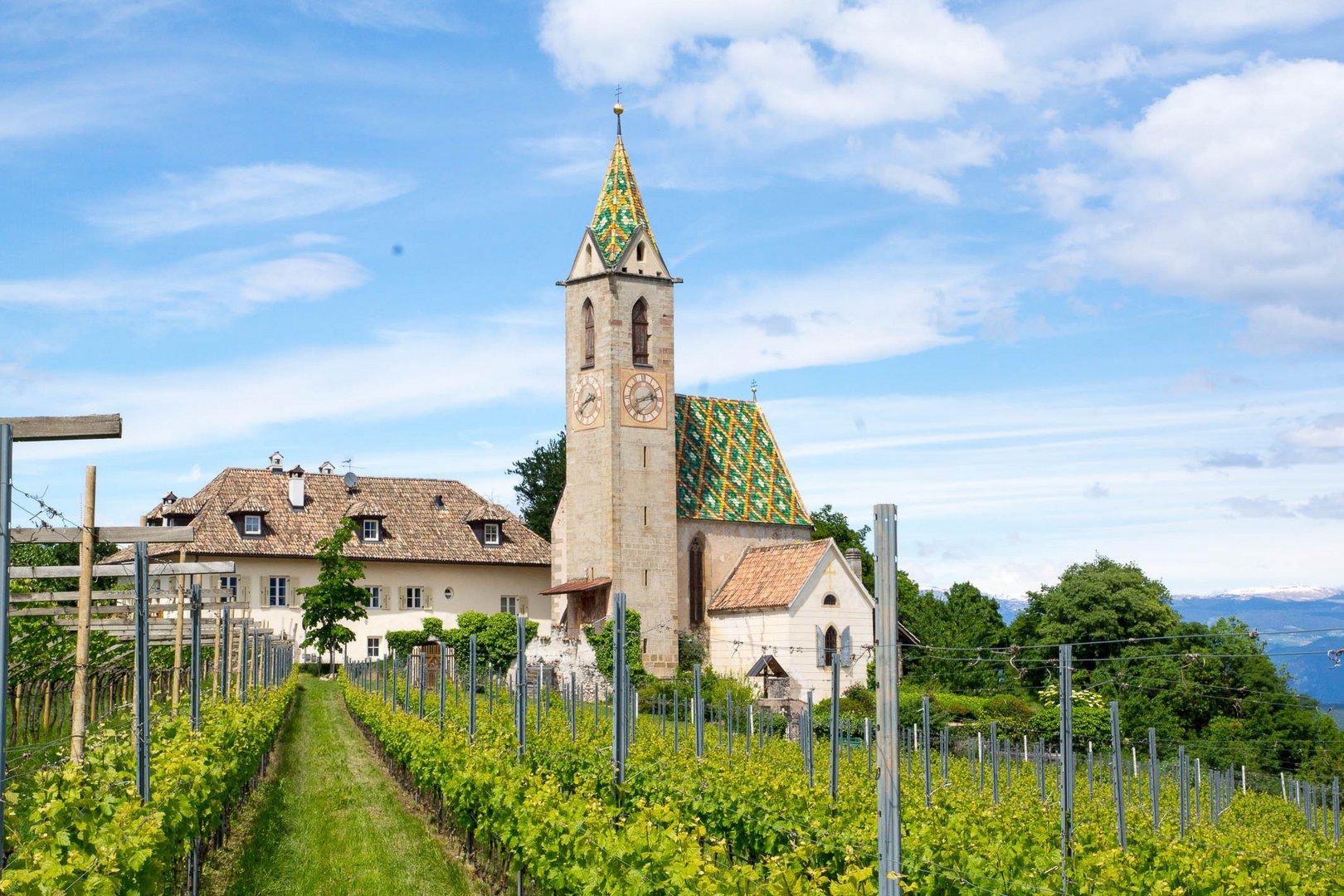 Dorf Altenburg mit Kirche