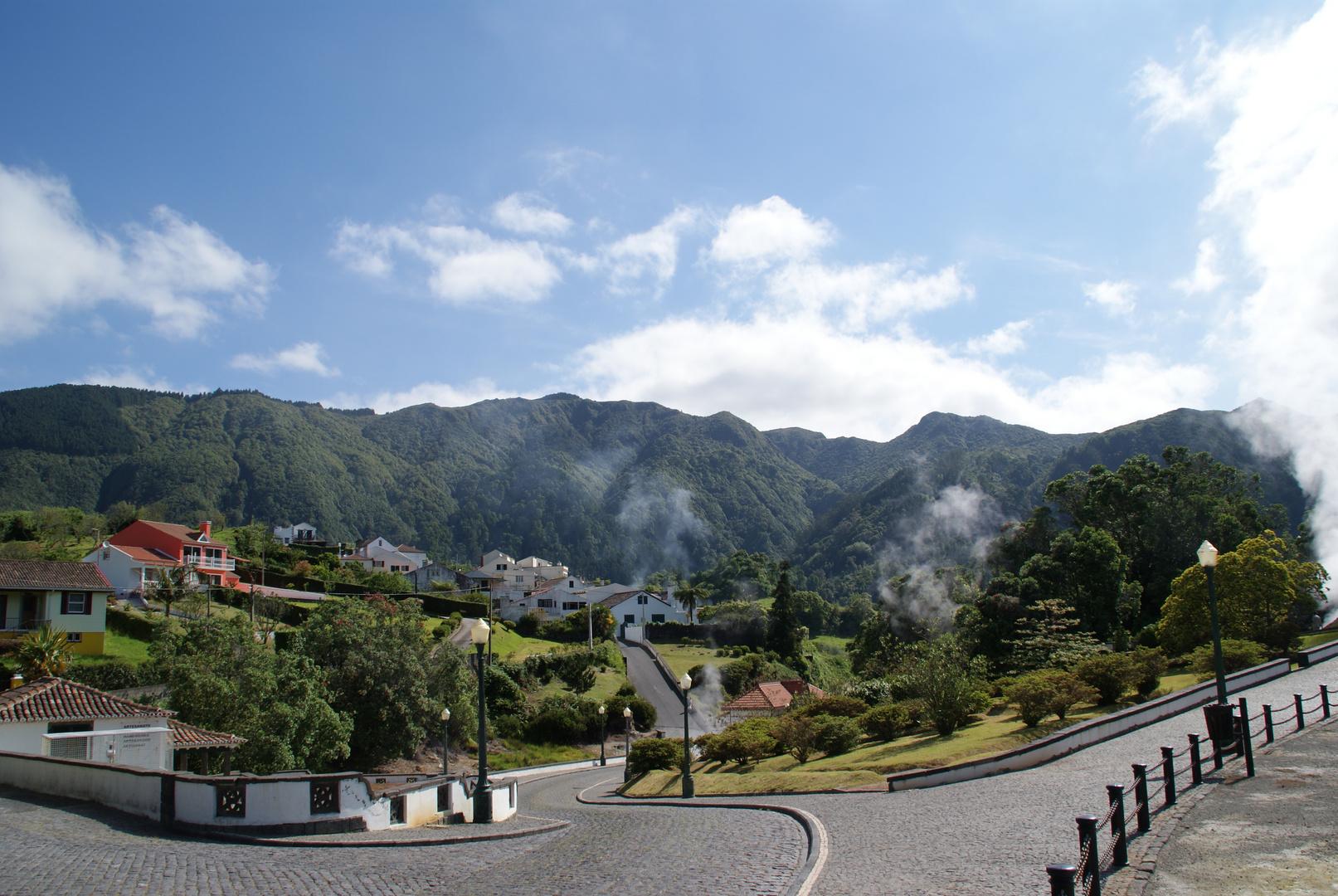 Dorf im Vulkan