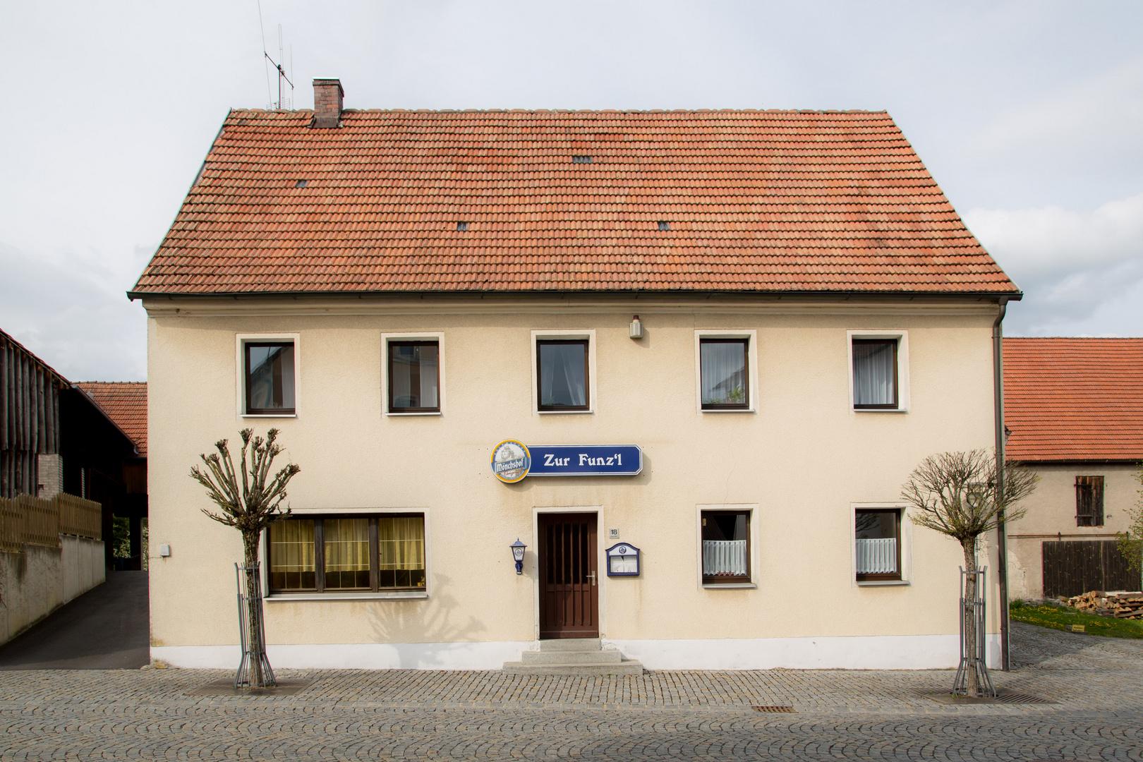 """Dorfansichten (1) - """"Zur Funzl"""""""