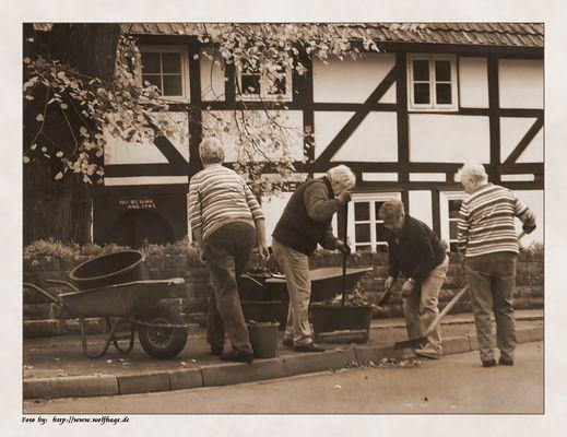 Dorfgemeinschaft....