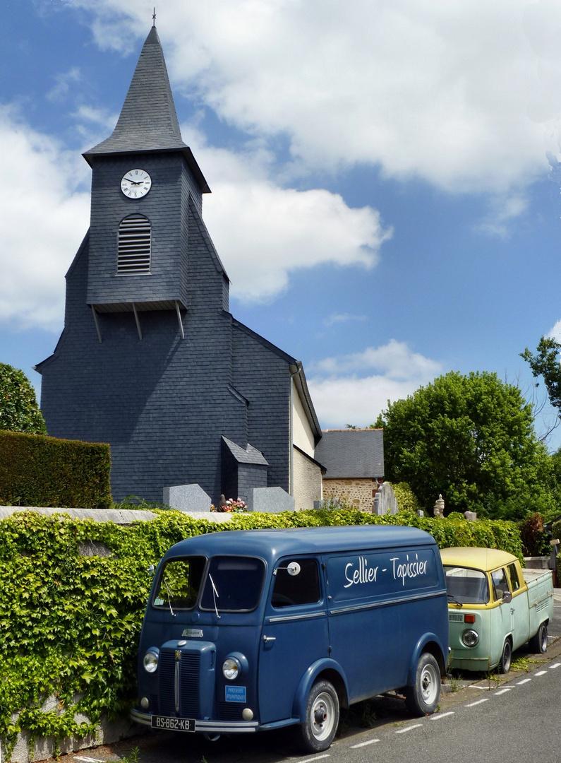 Dorfkirche in Momy