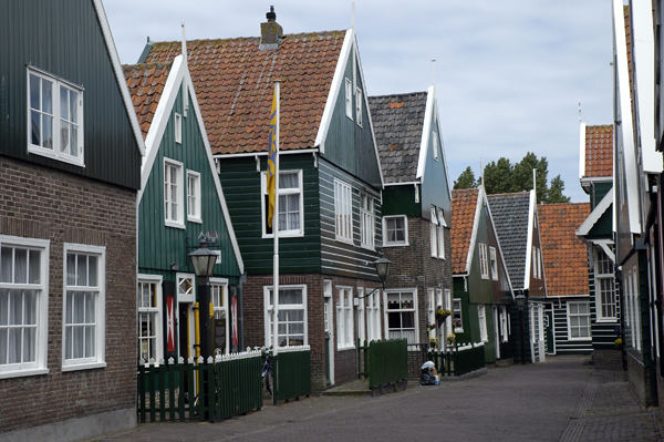 Dorfstraße auf der Insel Marken