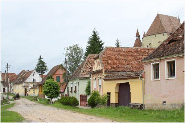 Dorfstraße in Birthälm/Rumänien