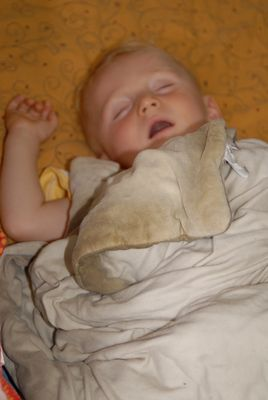 dormir a poings fermés