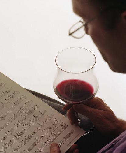 Dornfelder mit Musik