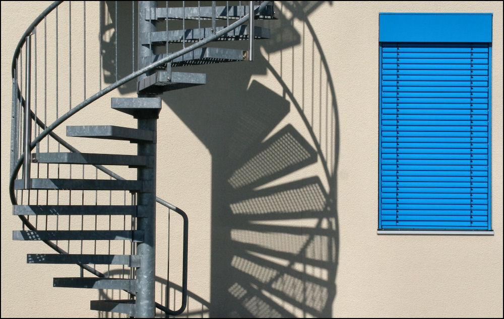 double helix vs. blue shutter