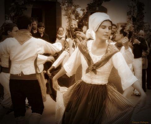 """""""douceur d'une danse provençale"""""""