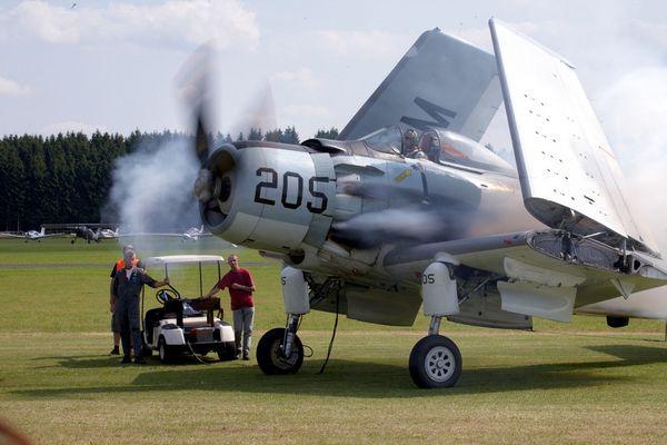 Douglas AD-4N 124143 (F-WZDP)