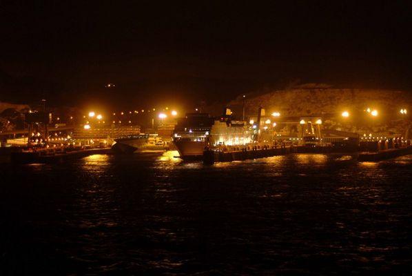 Dover Hafen bei Nacht
