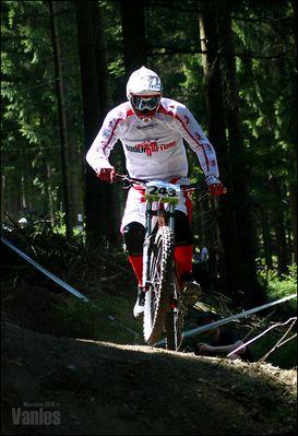 Downhill - Fahrer 243