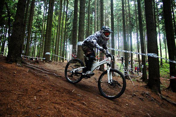Downhill - Fahrer 329