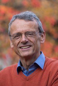 Dr. Thomas Lackner