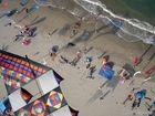 Drachen über dem Strand