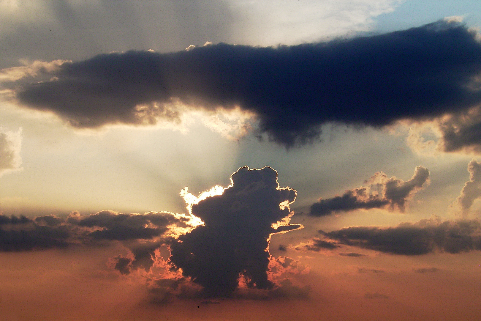 Drachenwolke über Dürwiß
