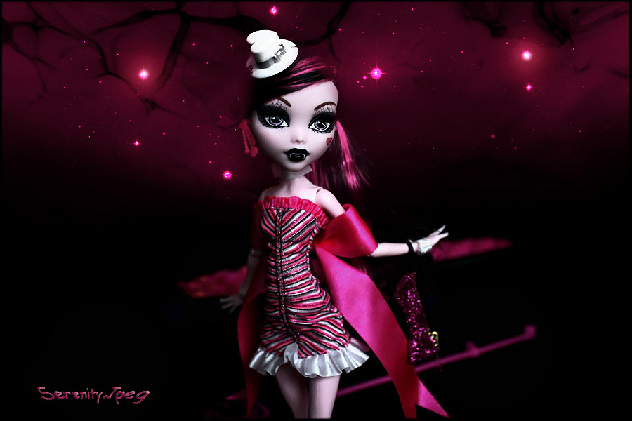 draculaura-dawn of the dance-monster high