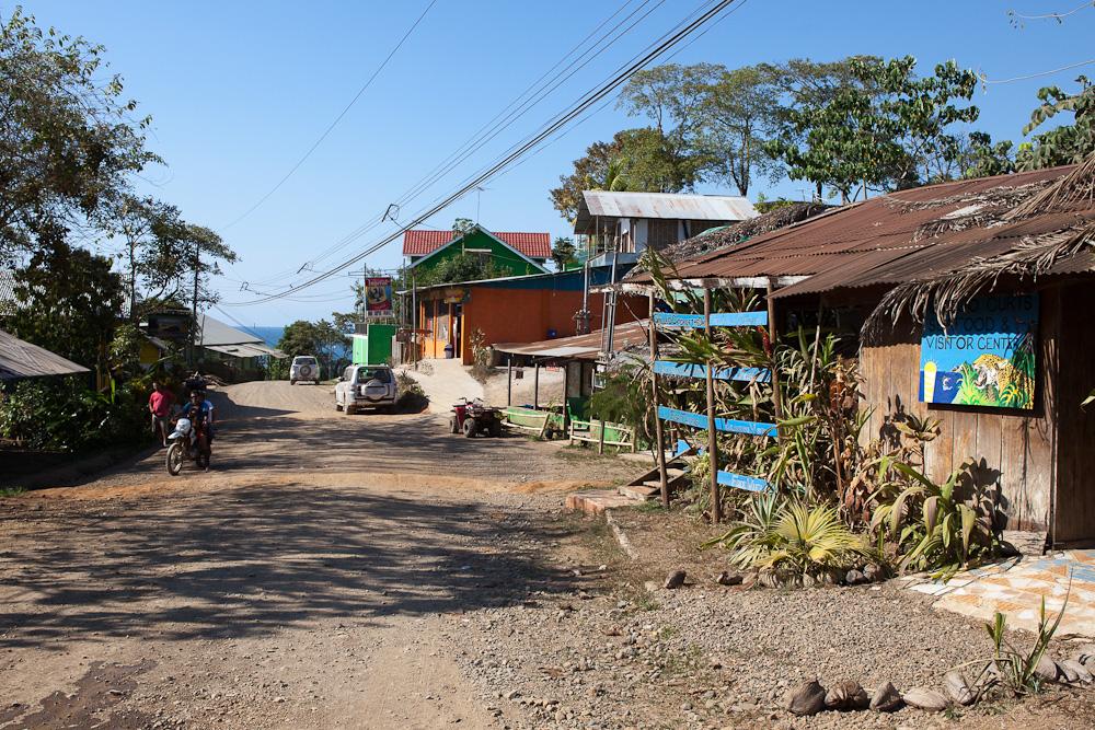 Drake Bay: die Hauptstraße