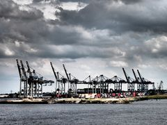 Dramatischer Hafen