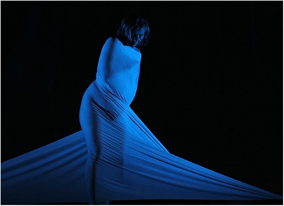 Drapée en bleue