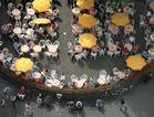 Draufsichten: (3) Draußen sitzen