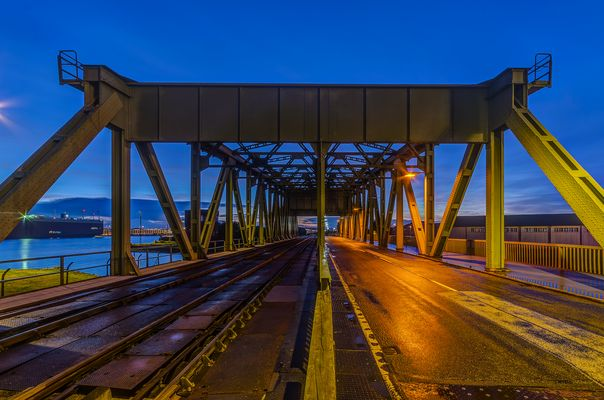 Drehbrücke am Verbindungshafen