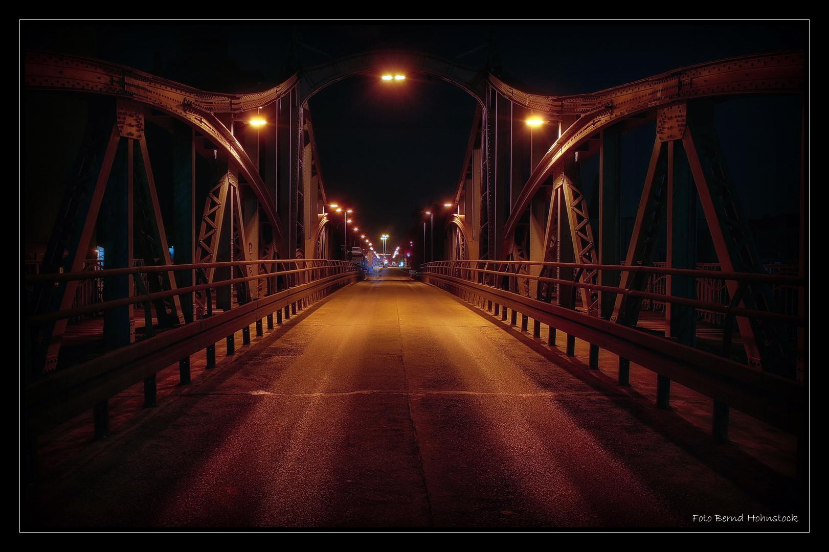 Drehbrücke in Krefeld-Linn ....