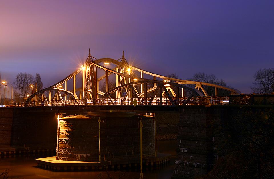 Drehbrücke Uerdingen Seitenansicht