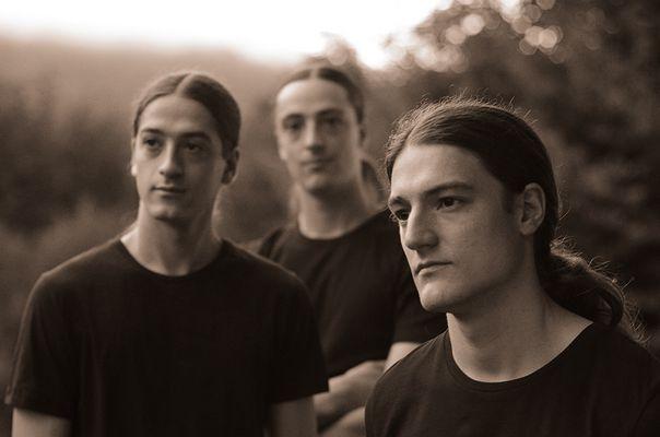 Drei Brüder - eine Band - KEPHALO