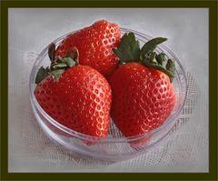 Drei Erdbeeren