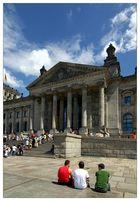 Dreifarbig vor dem Reichstag