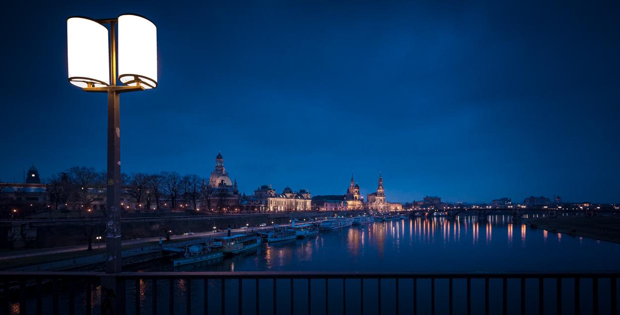 Dresden... #01 - Blaue Stunde an der Elbe