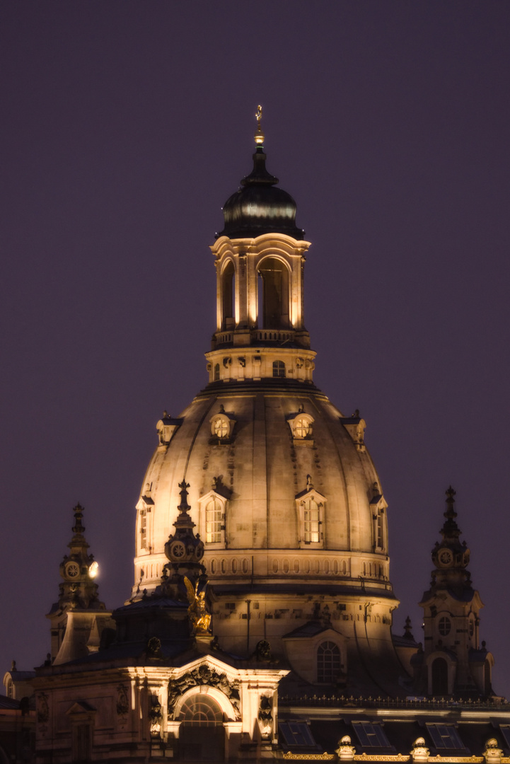 Dresden... #04 - Kuppel bei Nacht