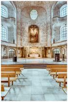 Dresden... #18 - Kreuzkirche, Blick zum Altar