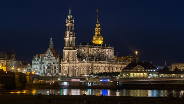 Dresden - Elbufer am Abend