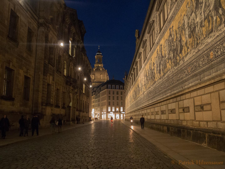 Dresden, Fürstenzug bei Nacht