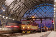 Dresden Hauptbahnhof, CD 371 005-0
