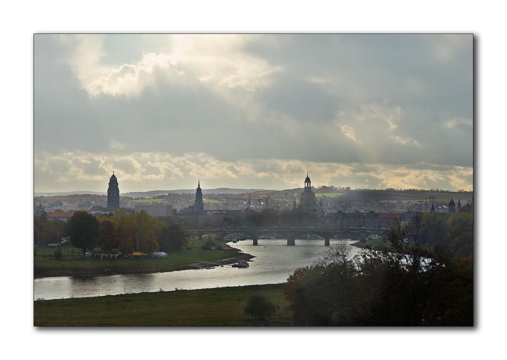Dresden im Gegenlicht ...