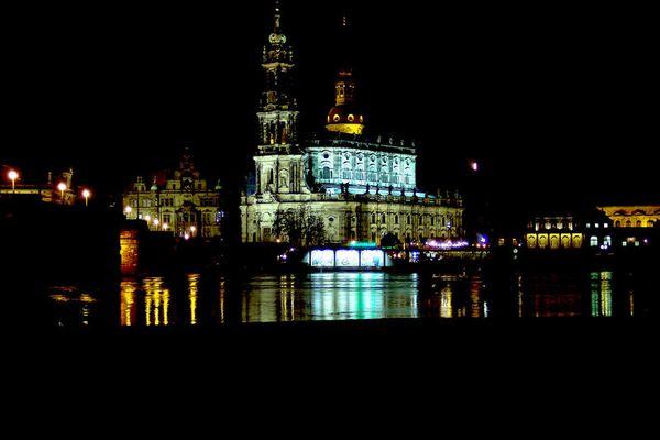 Dresden - Kathedrale aus der Neustadt