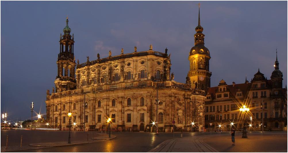 Dresden - Kathedrale und Hausmannsturm