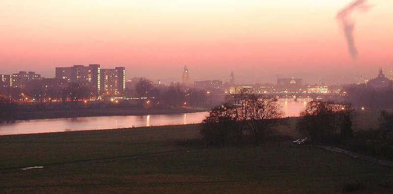 Dresden kurz nach dem Sonnenuntergang